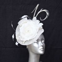 White Fascinator 15787/SD263